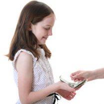 نکاتی برای دادن پول توجیبی به کودکان