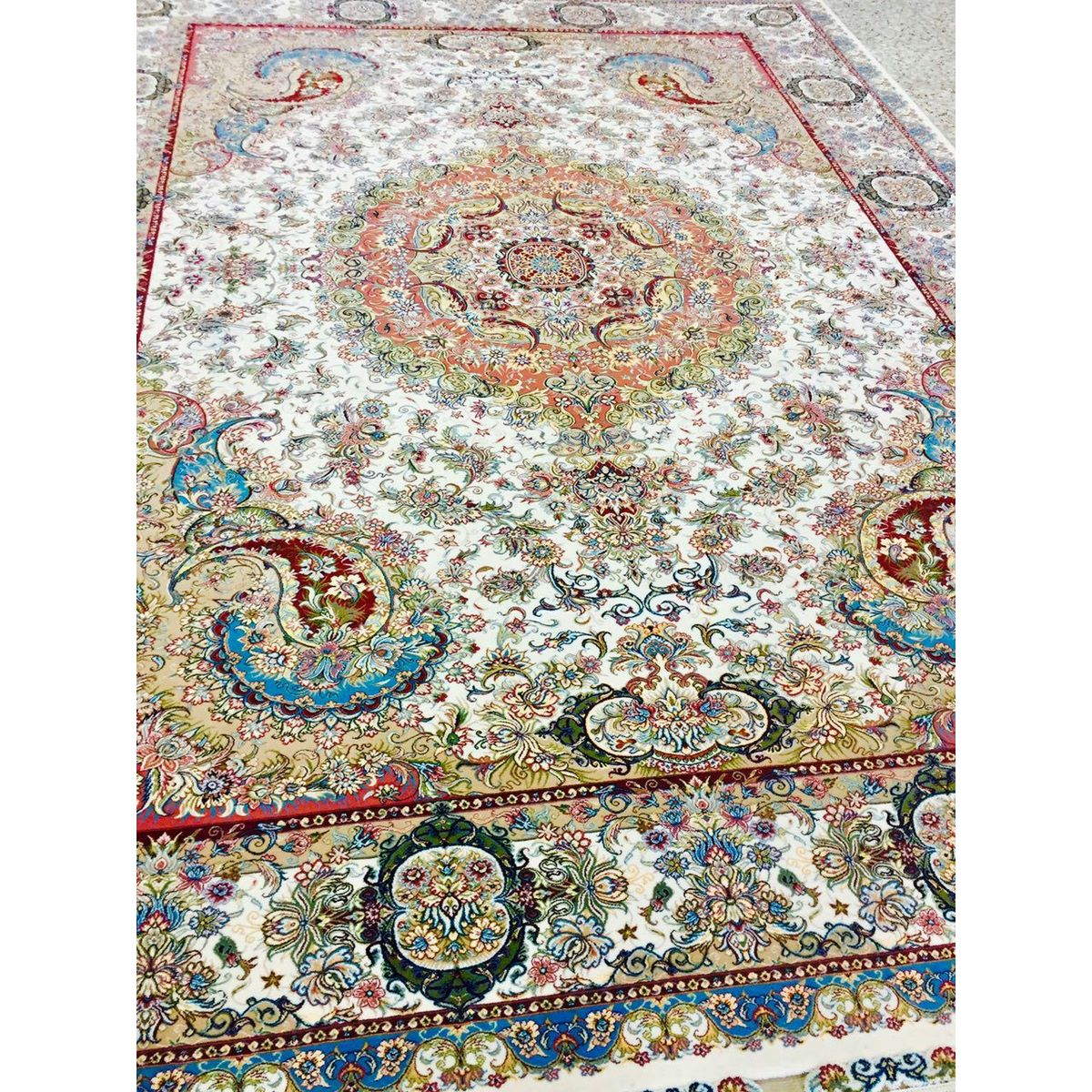 فرش ماشینی ۷۰۰ شانه کد ۷